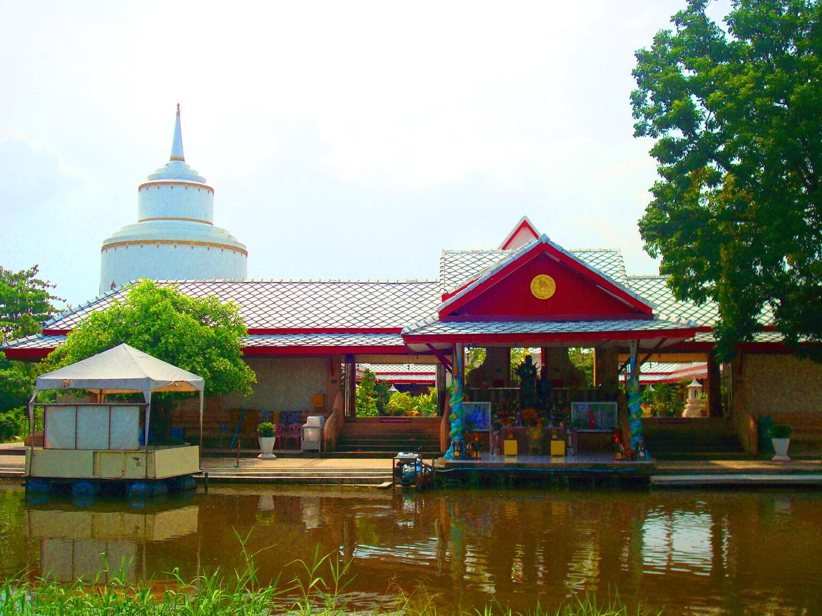 วัดพระยาสุเรนทร์ (Wat Phraya Suren) ถนนพระยาสุเรนทร์ หมู่ 8 แขวงสามวาตะวันตก เขตคลองสามวา จังหวัดกรุงเทพมหานคร 10510