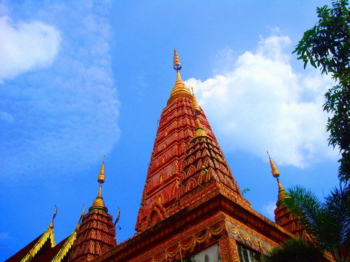 วัดวชิรธรรมสาธิตวรวิหาร (Wat Vachiratham Satit Worawihan) (วัดทุ่งสาธิต) 1199 ซอย 101/1 สุขุมวิท แขวงบางจาก เขตพระโขนง กรุงเทพมหานคร 10260