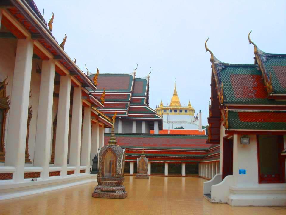 วัดสระเกศ ราชวรมหาวิหาร (Wat Saket Ratchaworamahawiharn) ที่อยู่ 344 ถนนจักรพรรดิพงษ์ แขวงบ้านบาตร เขตป้อมปราบศัตรูพ่าย กรุงเทพฯ 10100