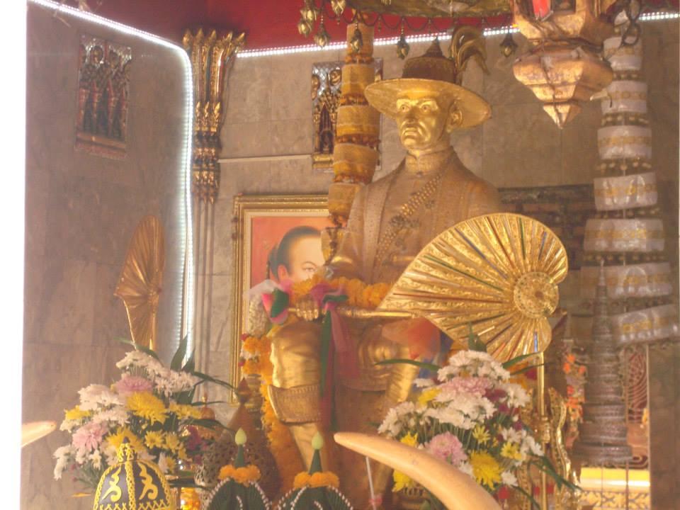 วัดชนะสงคราม ราชวรมหาวิหาร (Wat Chana Songkhram) ตั้งอยู่ที่ ถนน จักรพงษ์ แขวงชนะสงคราม เขตพระนคร กรุงเทพมหานคร 10200