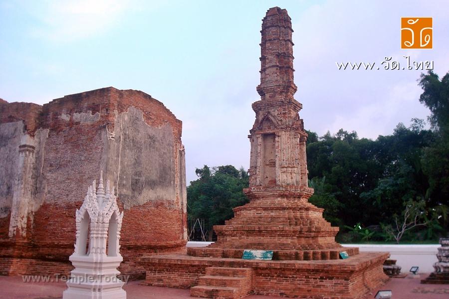 วัดใหญ่จอมปราสาท (Wat Yai Chom Prasat) ตั้งอยู่ที่ตำบลท่าจีน อำเภอเมืองสมุทรสาคร จังหวัดสมุทรสาคร 74000