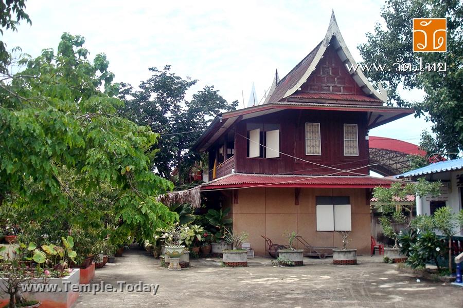 วัดบ้านไร่เจริญผล (Wat Baan Rai Charoen Phon) 130 ถนนธนบุรี – ปากท่อ หมู่ที่ 5 ตำบลพันท้ายนรสิงห์ อำเภอเมืองสมุทรสาคร จังหวัดสมุทรสาคร 74000