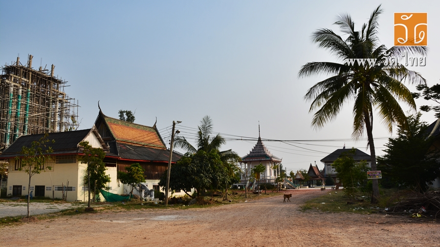 วัดใหญ่บ้านบ่อ (Wat Yai Ban Bo) ตั้งอยู่เลขที่ 1 หมู่ที่ 3 ตำบลบ้านบ่อ อำเภอเมืองสมุทรสาคร จังหวัดสมุทรสาคร 74000