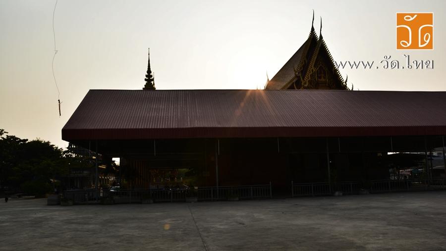 วัดบางหญ้าแพรก (ท่าฉลอม) (Wat Bang Ya Praek) ตั้งอยู่ 92 หมู่ที่ 5 ตำบลบางหญ้าแพรก อำเภอเมืองสมุทรสาคร จังหวัดสมุทรสาคร 74000