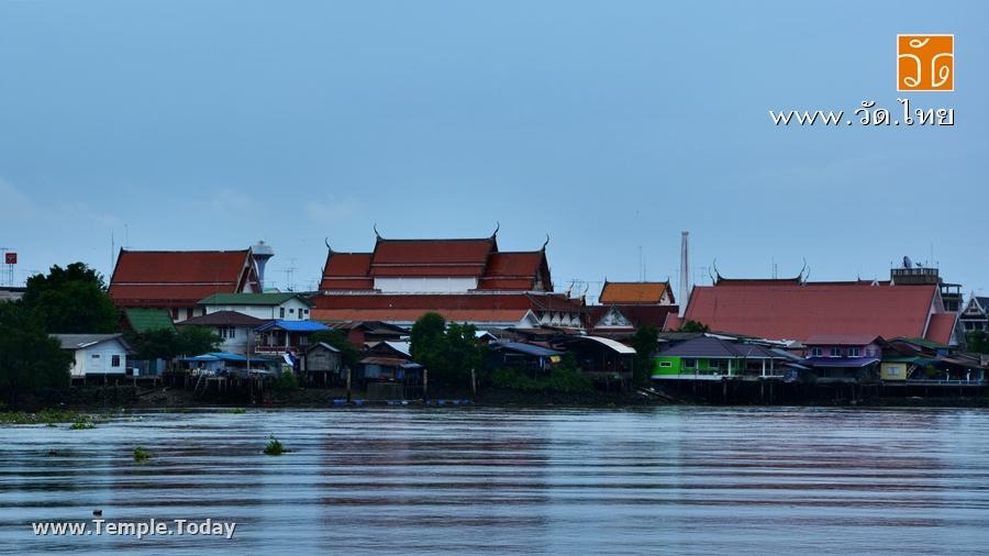 วัดเพชรสมุทรวรวิหาร (Wat Phet Samut Worawihan) พระอารามหลวง ตั้งอยู่ที่ ตำบลแม่กลอง อำเภอเมืองสมุทรสงคราม จังหวัดสมุทรสงคราม 75000