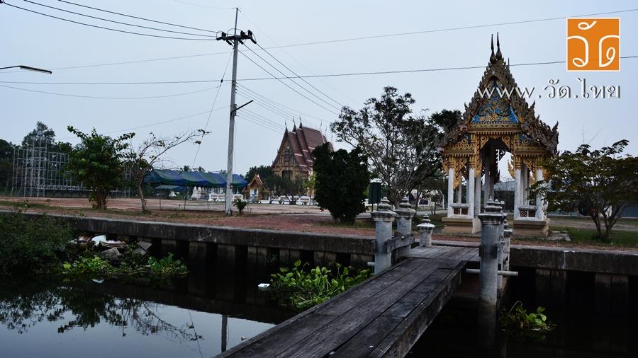 วัดใต้บ้านบ่อ (Wat Tai Ban Bo) ตั้งอยู่เลขที่ 1 หมู่ที่ 1 ตำบลบ้านบ่อ อำเภอเมืองสมุทรสาคร จังหวัดสมุทรสาคร 74000