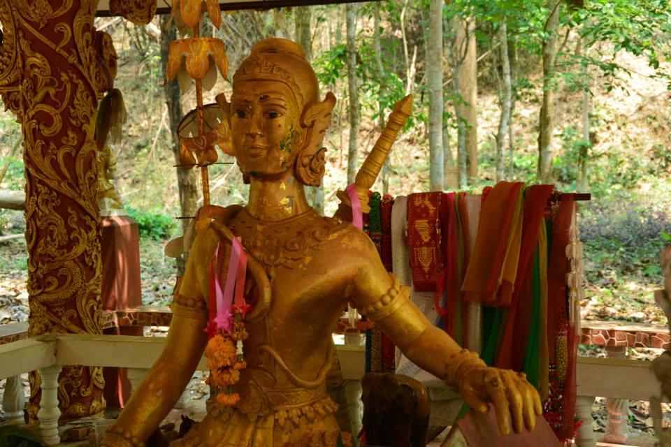 พระเจ้าแสนภู @วัดพระธาตุจอมกิตติ (Wat phra that chom kitti) ที่ตั้ง ตำบลเวียง อำเภอเชียงแสน จังหวัดเชียงราย 57150