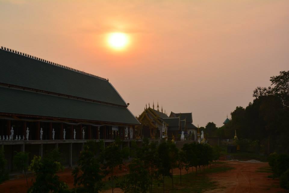 วัดห้วยสัก ตั้งอยู่ 44 หมู่ที่ 1 ตำบลหนองป่าก่อ อำเภอดอยหลวง จังหวัดเชียงราย 57110