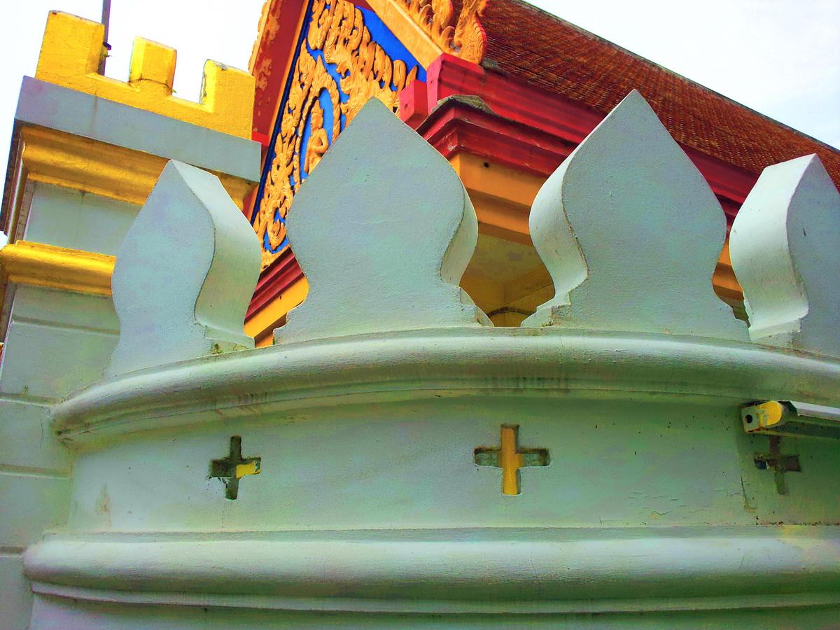 วัดคลองเตยนอก (Wat Klong Toey Nok) 36 ถนนเกษมราษฎร์ แขวงคลองเตย เขตคลองเตย กรุงเทพมหานคร 10110