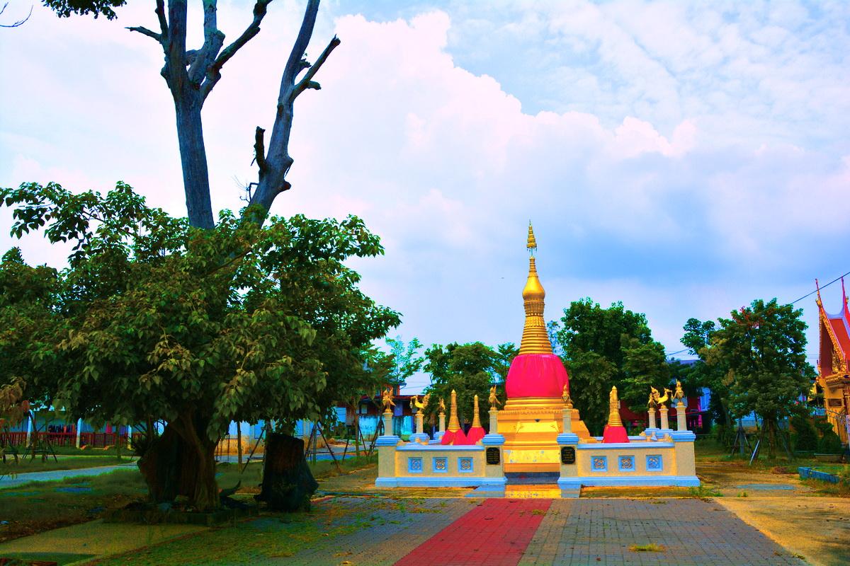 วัดตำหนักเหนือ (Wat Tamnak Nuea) บ้านตำหนัก ตำบลบางตะไนย์ อำเภอปากเกร็ด จังหวัดนนทบุรี 11120