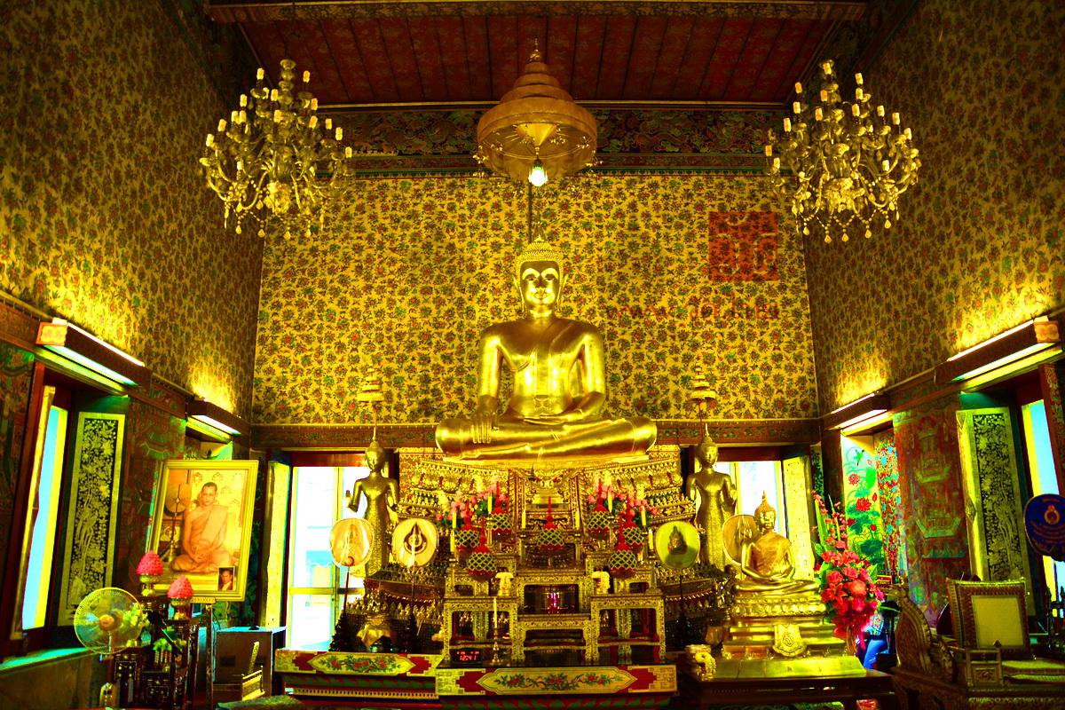 พระพุทธเกสร วัดสามพระยา วรวิหาร (Wat Samphraya) ซอยสามเสน 5 ถนนสามเสน แขวงวัดสามพระยา เขตพระนคร กรุงเทพมหานคร 10200