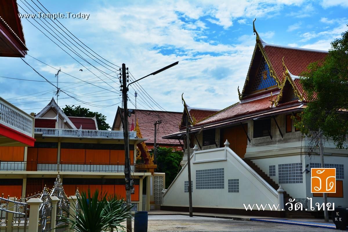 วัดช่องลม (Wat Chong Lom) ตำบลหน้าเมือง อำเภอเมืองราชบุรี จังหวัดราชบุรี 70000