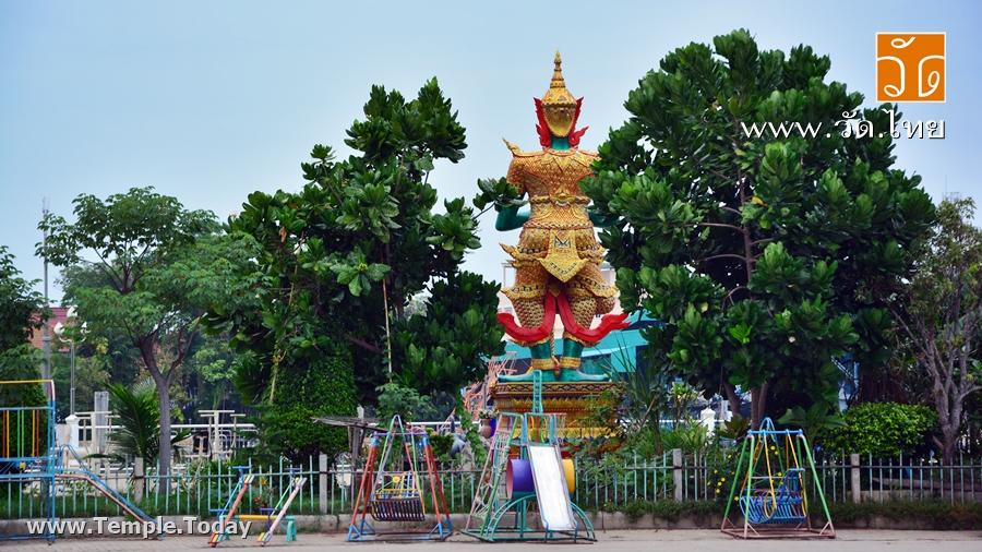 วัดประทุมคณาวาส (Wat Prathum Khanawat) ตำบลแม่กลอง อำเภอเมืองสมุทรสงคราม จังหวัดสมุทรสงคราม 75000