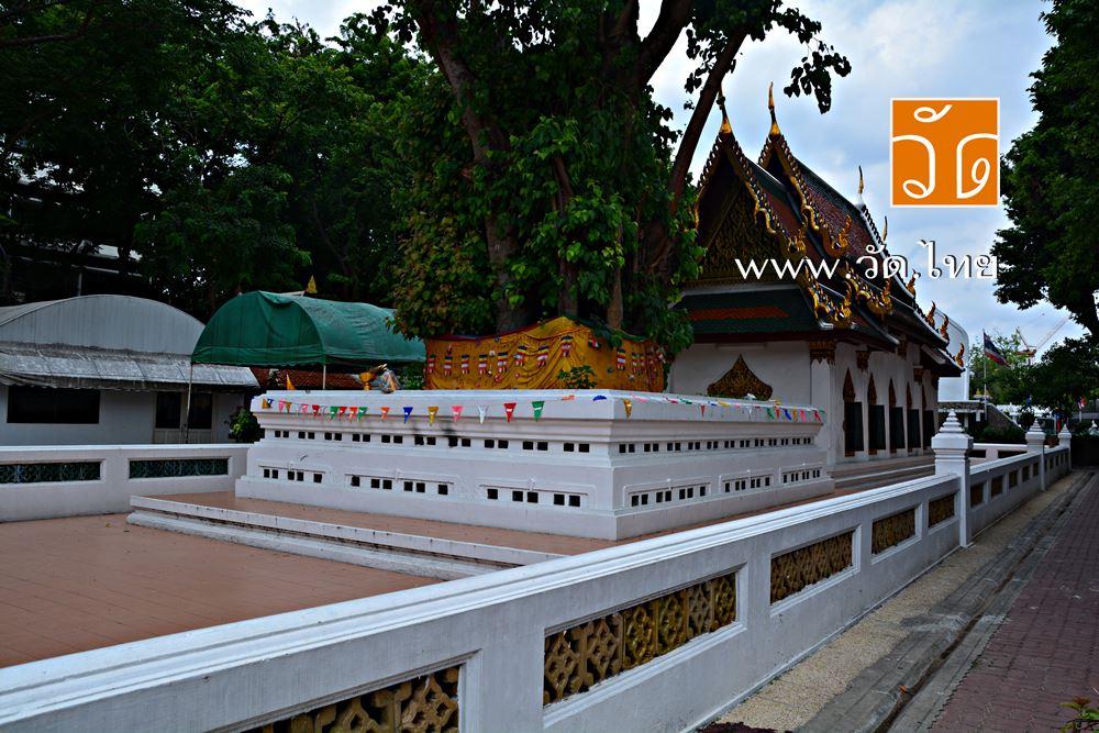 วัดมหาธาตุยุวราชรังสฤษฎิ์ราชวรมหาวิหาร (Wat Mahathat Yuwarat Rangsarit Ratchaworamahawiharn) ถนนหน้าพระธาตุ แขวงพระบรมมหาราชวัง เขตพระนคร กรุงเทพมหานคร 10200