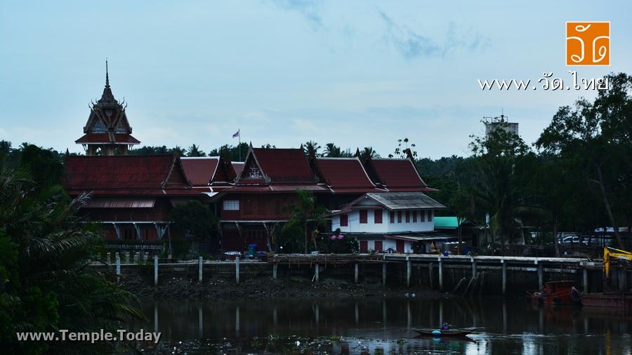 วัดใหญ่ แม่กลอง (Wat Yai) ตำบลแม่กลอง อำเภอเมืองสมุทรสงคราม จังหวัดสมุทรสงคราม 75000