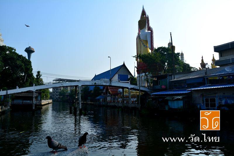 ท่าน้ำหน้าวัดอัปสรสวรรค์วรวิหาร (Wat Absornsawan) ตั้งอยู่ ถนนเทอดไท ซอยรัชมงคลประสาธน์ แขวงปากคลอง