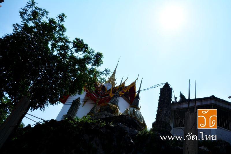 ถ้ำเขามอ วัดราชคฤห์วรวิหาร [วัดมอญ] (Wat Rajkrueh) ตั้งอยู่เลขที่ 434 ถนนเทอดไท แขวงบางยี่เรือ เขตธน