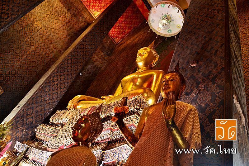 พระพุทธชินวร พระประธานภายในพระอุโบสถ วัดอินทารามวรวิหาร (wat intharam) ถนนเทอดไท แขวงบางยี่เรือ เขตธ