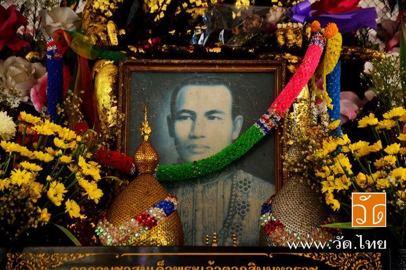 สมเด็จพระเจ้าตากสินมหาราช วัดประดู่ฉิมพลี (Wat Pradoo ChimPhli) 168 ถนนเพชรเกษม ซอยเพชรเกษม 15 แขวงว