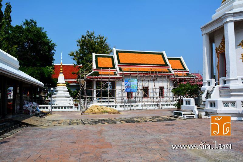 วัดประดู่ฉิมพลี (Wat Pradoo ChimPhli) 168 ถนนเพชรเกษม ซอยเพชรเกษม 15 แขวงวัดท่าพระ เขตบางกอกใหญ่ กรุ