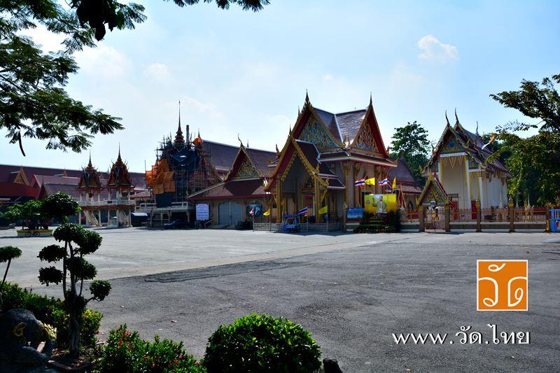 วัดกำแพง (Wat Kam Phaeng) เลขที่ 45 ถนนพระรามที่ 2 ซอย 50 แขวงแสมดำ เขตบางขุนเทียน กรุงเทพมหานคร 101
