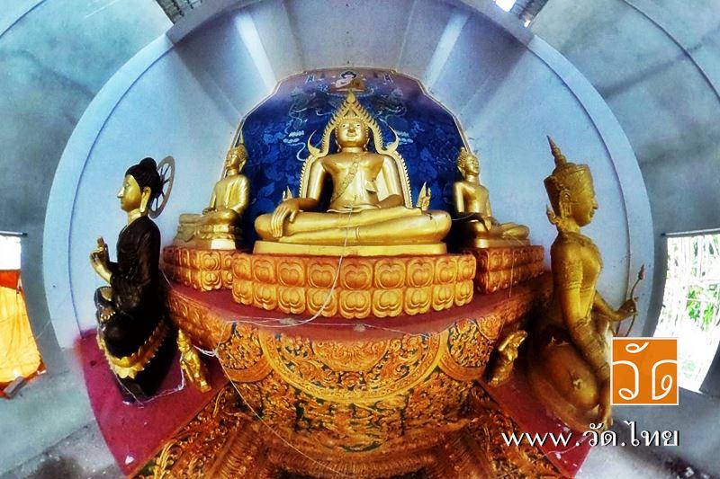 วัดป่าซางงาม (Wat Pa Sang Ngam) ตั้งอยู่ที่ บ้านป่าซางงาม หมู่ 2 ตำบลหนองป่าก่อ อำเภอดอยหลวง จังหวัดเชียงราย 57110