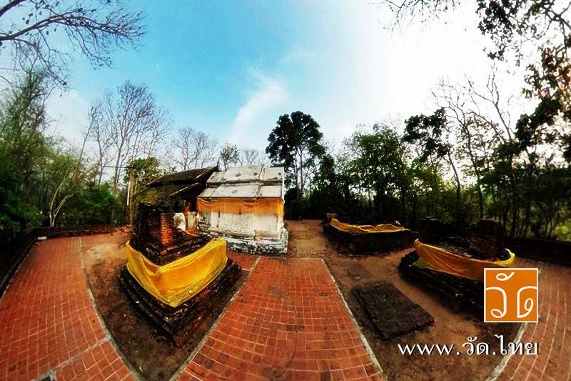 วัดพระธาตุภูเข้า (ปูเข้า) [Wat PraThat PuKhao] ตั้งอยู่ หมู่ที่ 1 ตำบลเวียง อำเภอเชียงแสน จังหวัดเชียงราย 57150