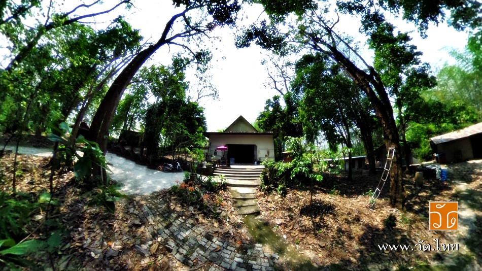 วัดหนองกล้วย ( Wat Nong Kluai ) บ้านหนองกล้วย ตำบลหนองป่าก่อ อำเภอดอยหลวง จังหวัดเชียงราย 57110