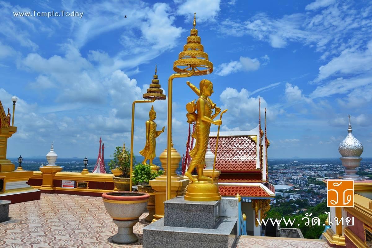 พระจุฬามณีเจดีย์ ณ วัดคีรีวงศ์ (Wat Kiriwong) ถนนมาตุลี ตำบลปากน้ำโพ อำเภอเมืองนครสวรรค์ จังหวัดนครสวรรค์ 60000