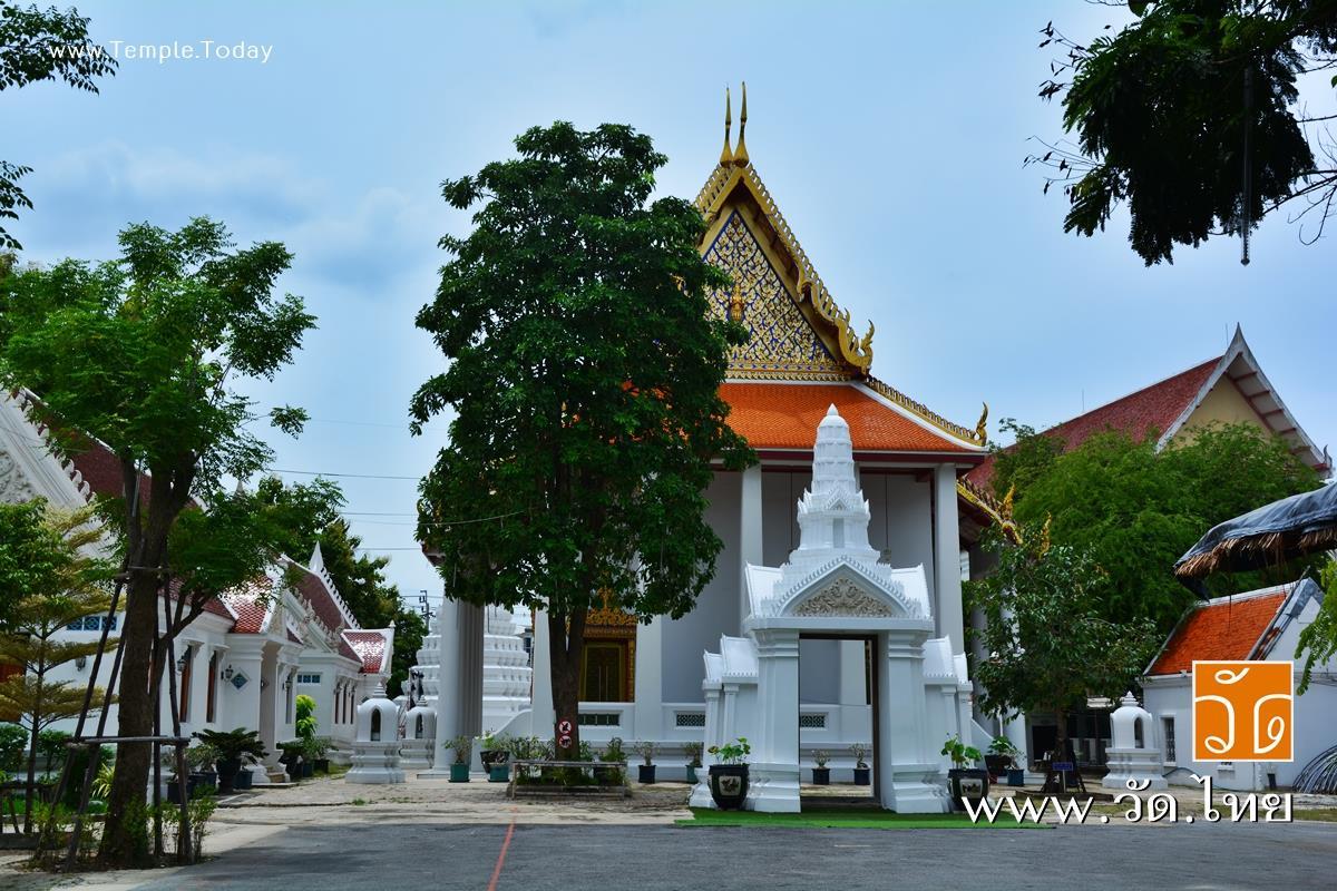 วัดชิโนรสารามวรวิหาร (Wat Chinorasaram Worawiharn) ถนนอิสรภาพ แขวงบ้านช่างหล่อ เขตบางกอกน้อย กรุงเทพมหานคร 10700