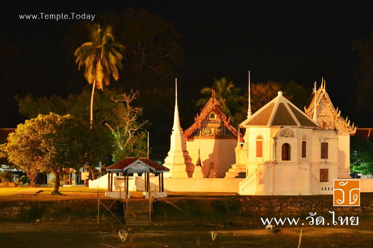 วัดอุโปสถาราม (Wat Uposatharam) หรือ วัดโบสถ์ มโนรมย์ ตำบลสะแกกรัง อำเภอเมืองอุทัยธานี จังหวัดอุทัยธานี 61000
